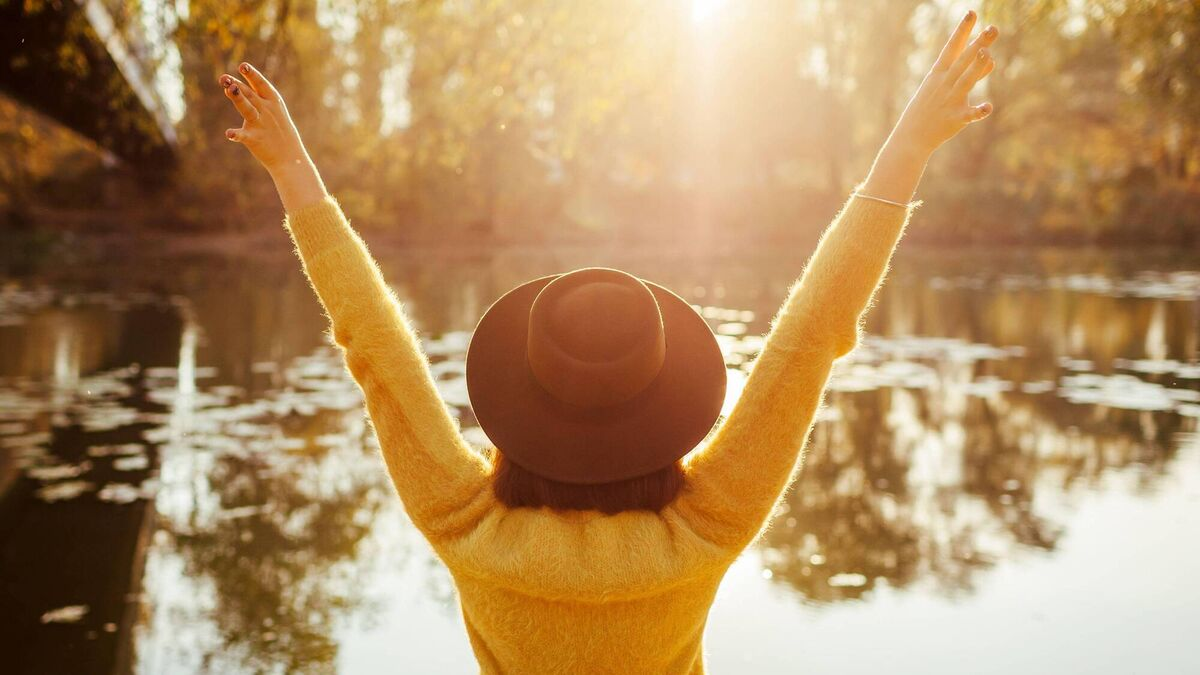 איך להפוך לאנשים חיוביים ומושכים יותר