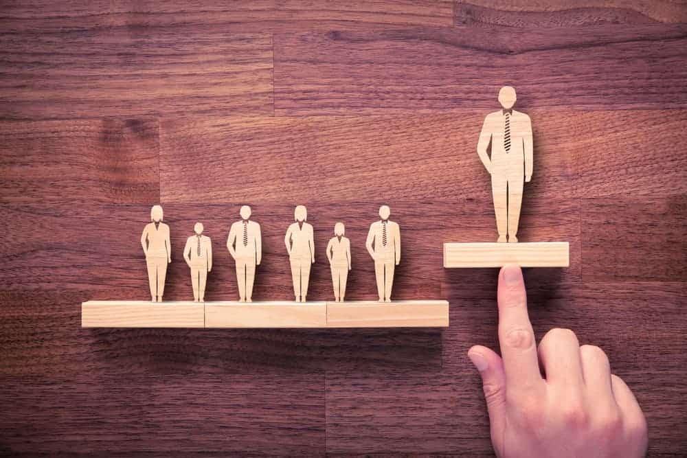 איך לבסס סמכות ולגרום לאנשים לסמוך עליך